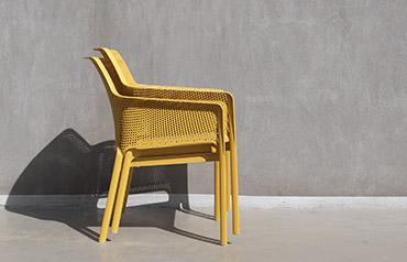Почему следует выбрать штабелируемые стулья